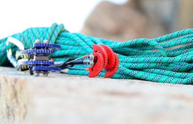 Welche Kletterausrüstung Brauche Ich : Richtig sichern beim klettern sicherungsgeräte knoten & co