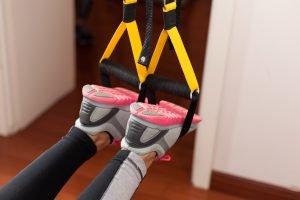 Fußschlaufen Schlingtrainer mit Füßen
