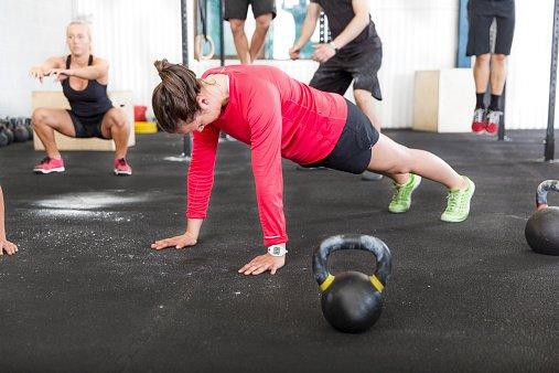 Sportboden Vergleich Bodenschutzmatten Fur Fitness Gym Sofimo De