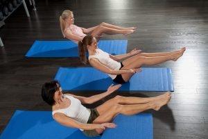 pilates übung gegen rückenprobleme