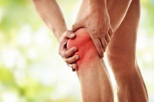 schmerzendes geschwollenes Knie