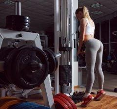 Po-Übungen Fitnessstudio