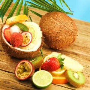 Kokosnuss und andere tropische früchte