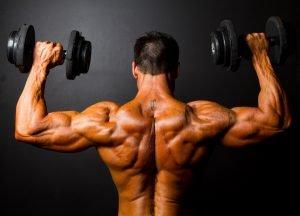 Entwässerung bei einem Bodybuilder