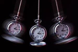 offene taschenuhr als pendel für abnehmen mit hypnose