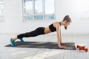 push up trainiert Brust und Rücken