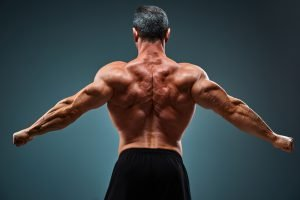 Rückenstrecker Training Mann