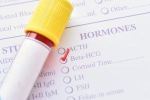 ampulle liegt auf rezept für das hormon hcg