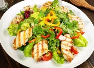 hähnchen salat für die eiweiß diät