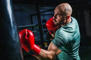 drehung und haken beim boxen lernen