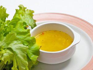 Fasten zum Abnehmen mit Suppe und Salat
