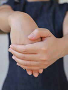 Handgelenk trainieren - Dehnübungsvariante